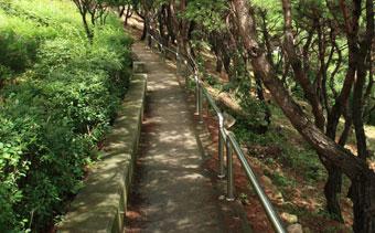 논산 마음수련원 발우바위 산책로