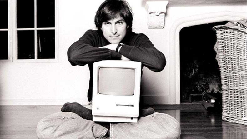 Steve Jobs with Mac, 1984