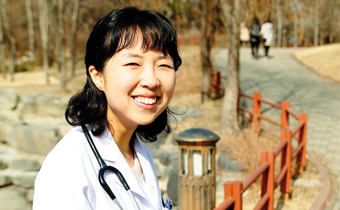 인생의 방황 끝낸 행복한 의사 김경아 씨1