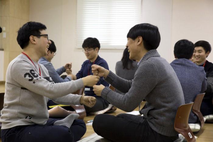 한국증권금융 신입사원들 명상