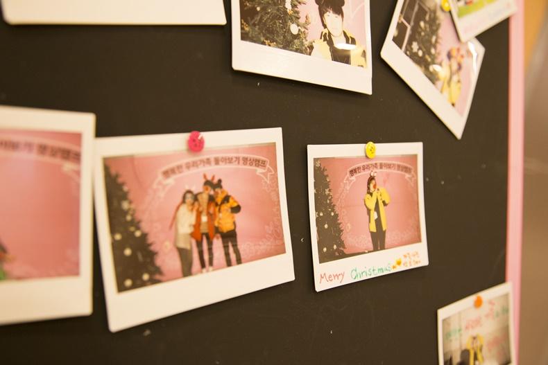가족명상캠프에 참가한 가족들의 행복한 사진